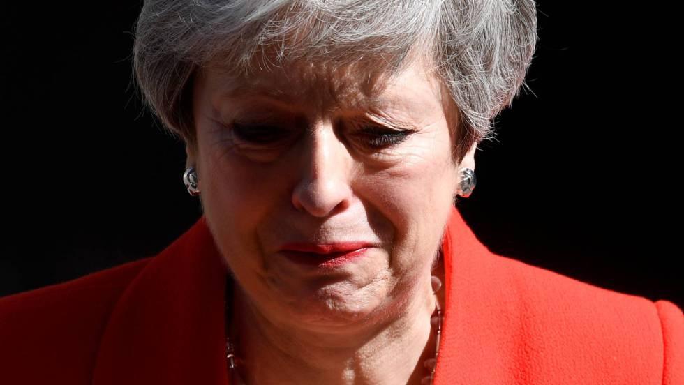 La dimisión de May eleva el riesgo de un Brexit duro