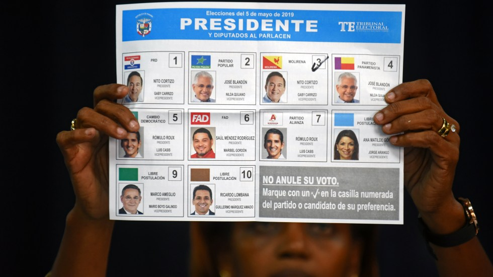 Panameños votaron en reñidas elecciones generales