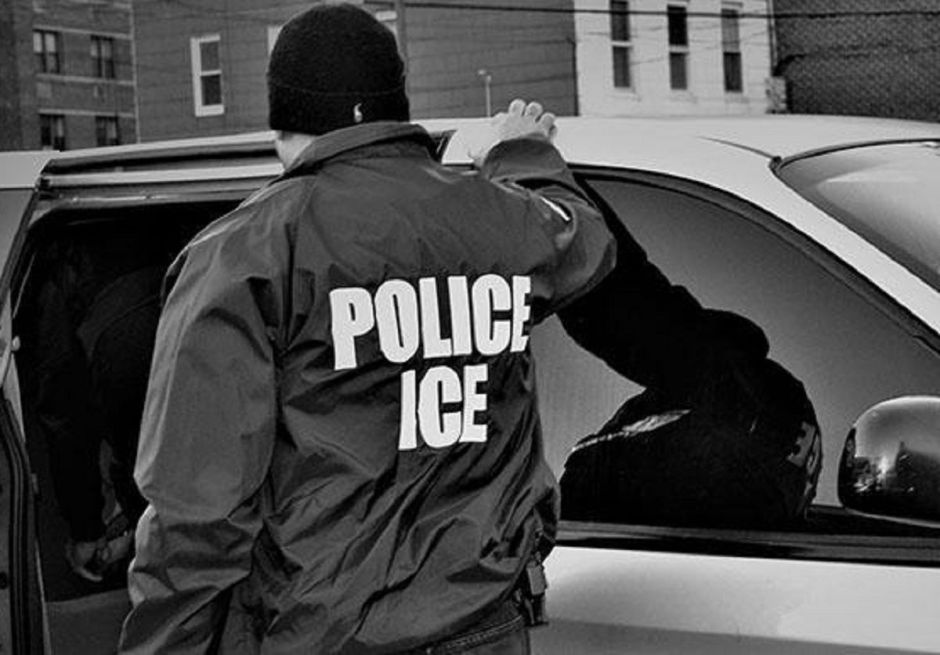 Colorado se suma a estados que limitan acción de ICE contra inmigrantes