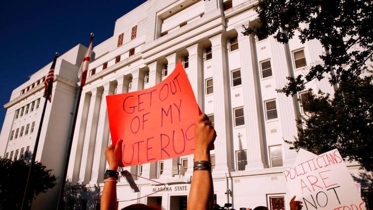 manifestantes en Alabama