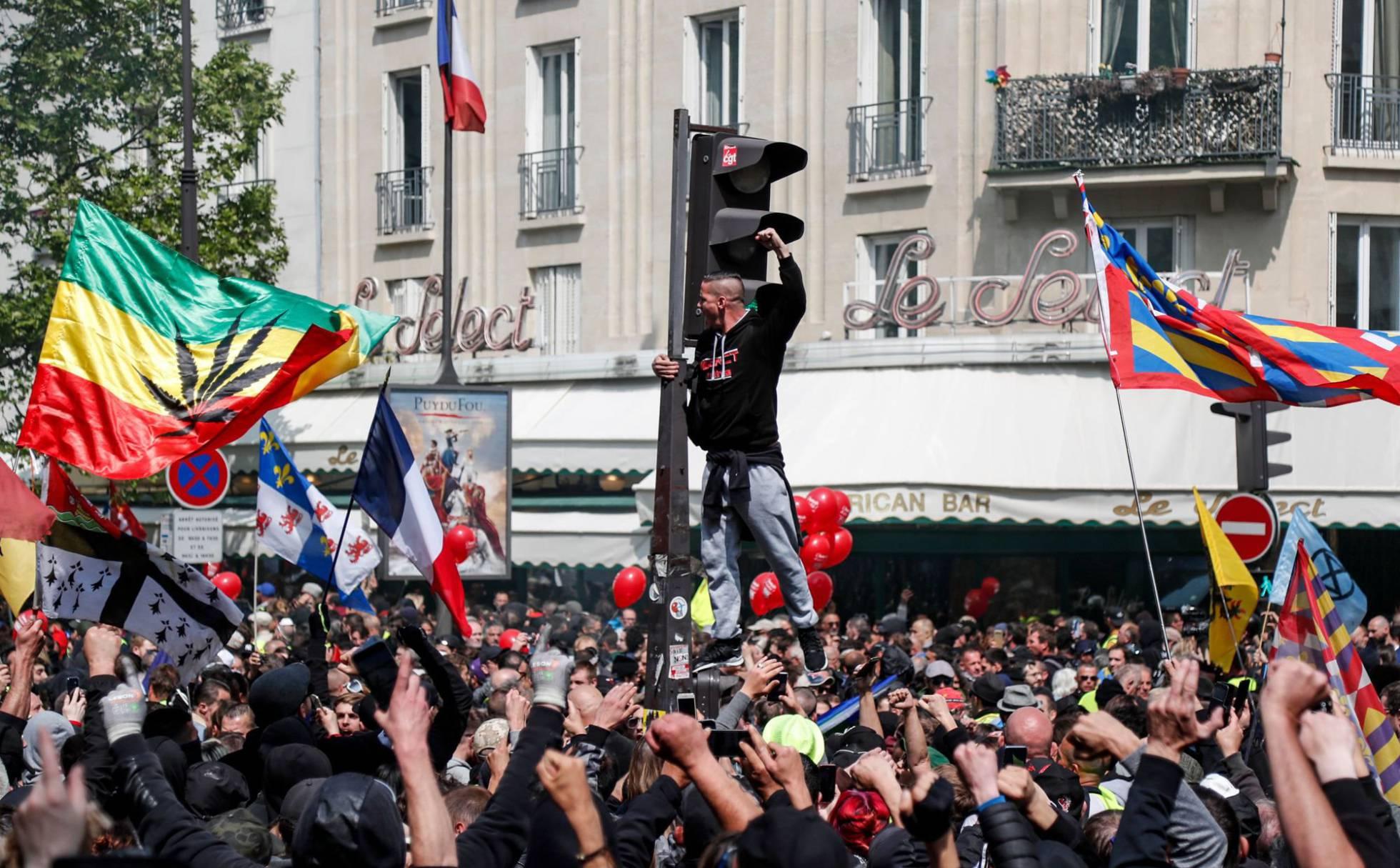 manifestantes en paris