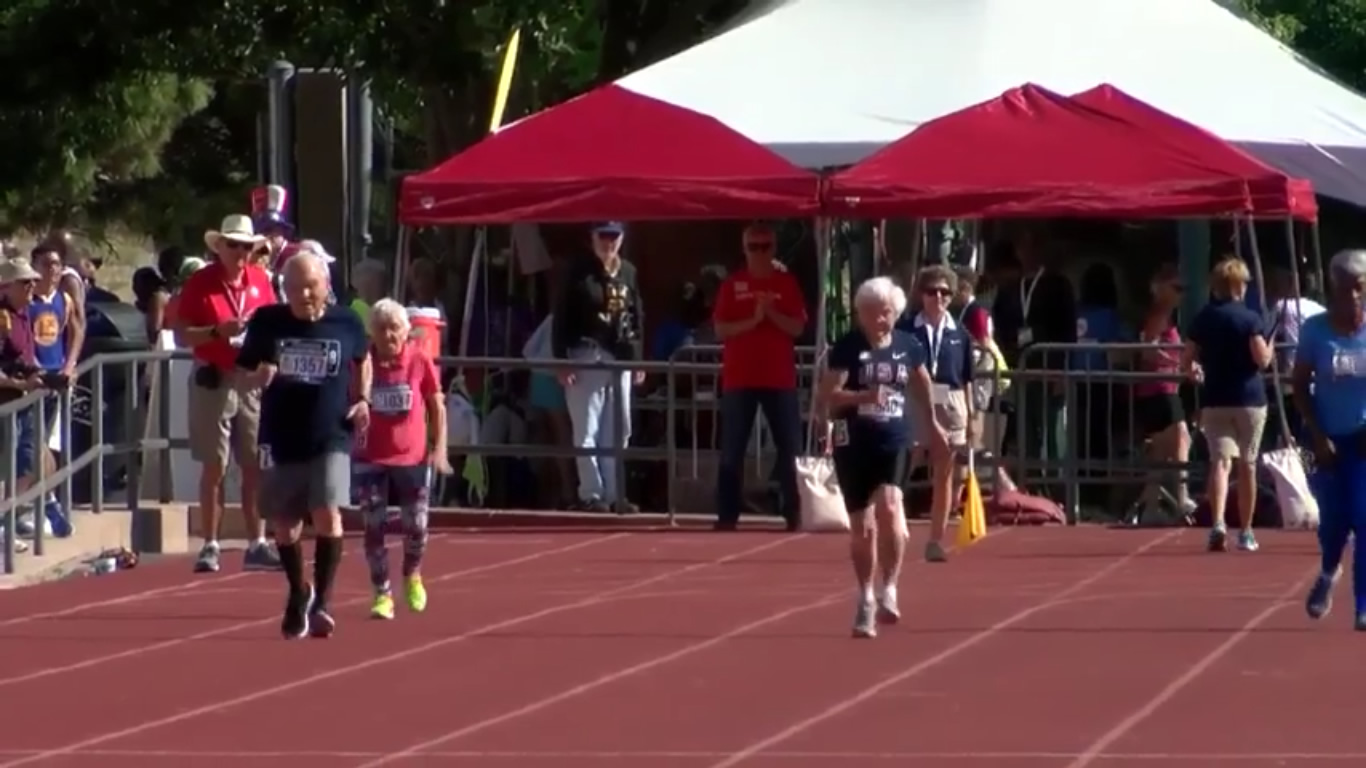 Anciana estadounidense de 103 años logra récord mundial en atletismo