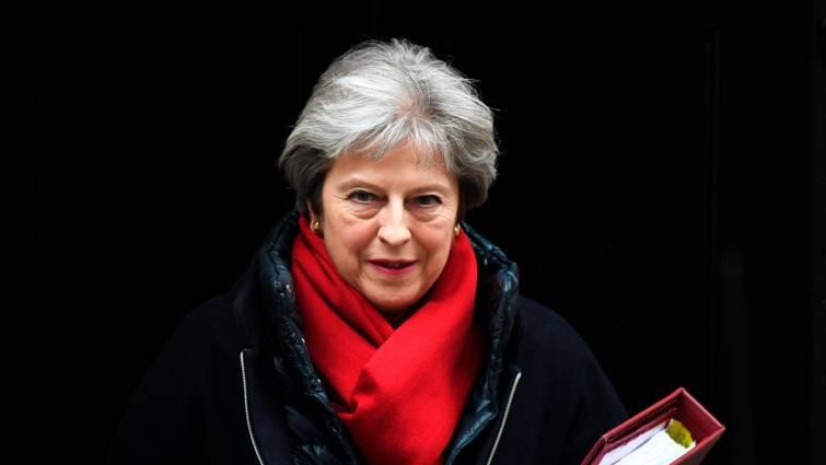 Theresa May firma la carta de dimisión como líder del Partido Conservador británico