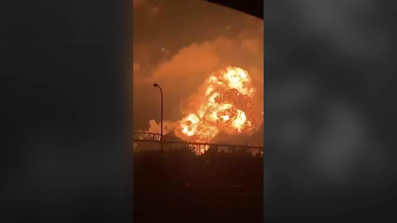 incendio de refineria en Filadelfia