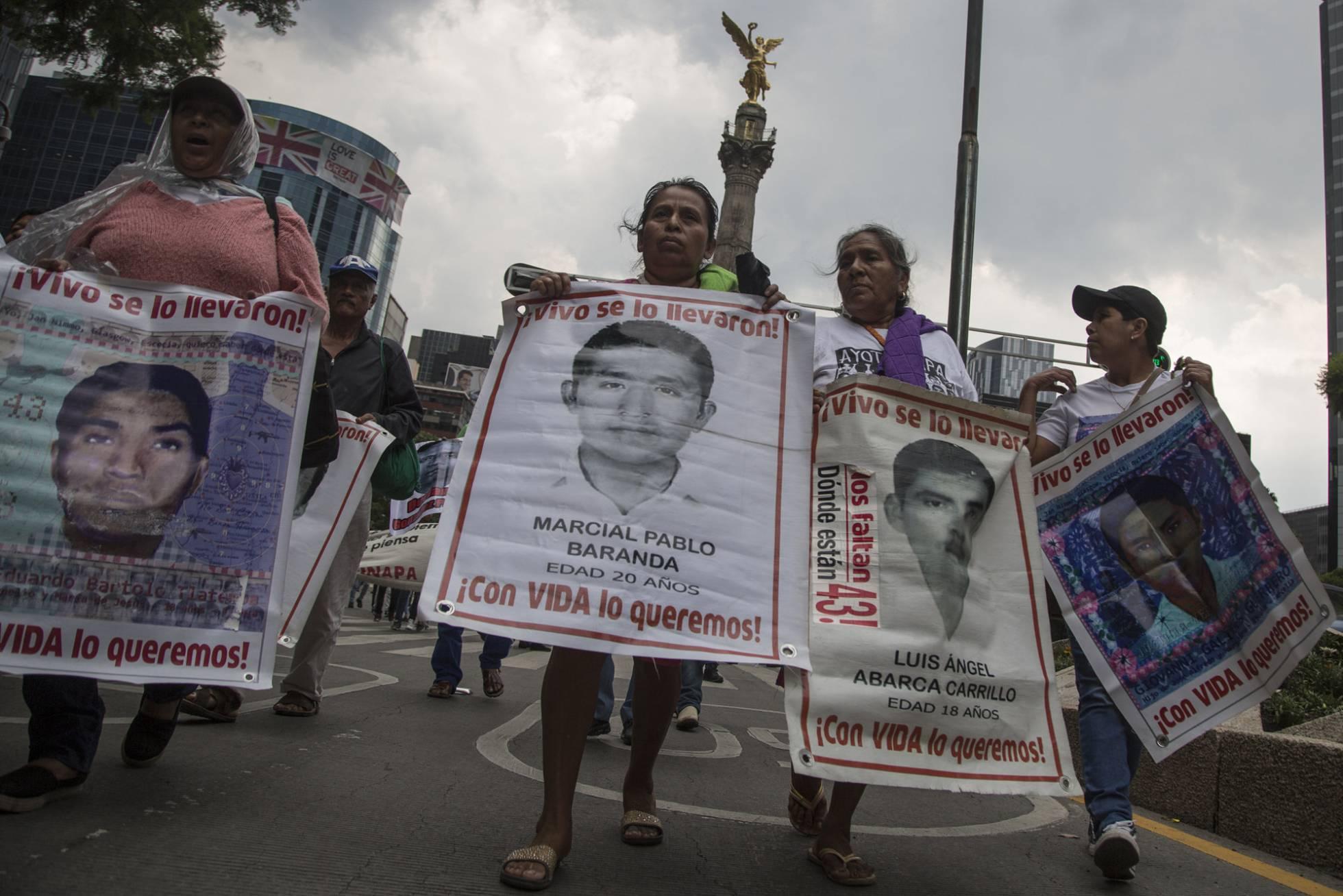 La Fiscalía nombra a un titular para el 'caso Ayotzinapa' después de salir el vídeo de la tortura a un detenido