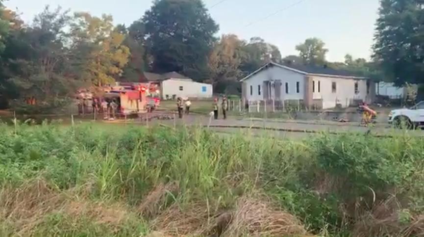 1 muerto y 3 niños transportados al hospital, después de un incendio esta mañana en una casa de Wylam