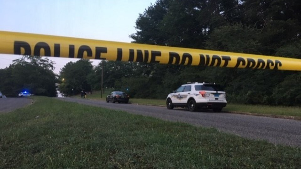 Hombre asaltado y herido de bala, cerca de Valley Brook Apartments