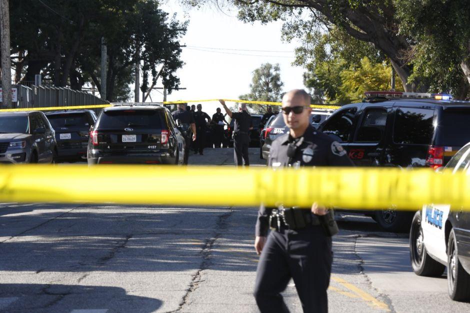 Reportan múltiples víctimas por tiroteo en festival en California
