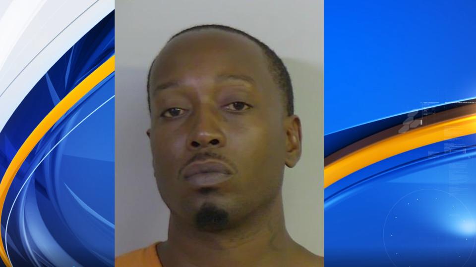 Un hombre de Alabama, irrumpió en las habitaciones de unos estudiantes, mientras dormían