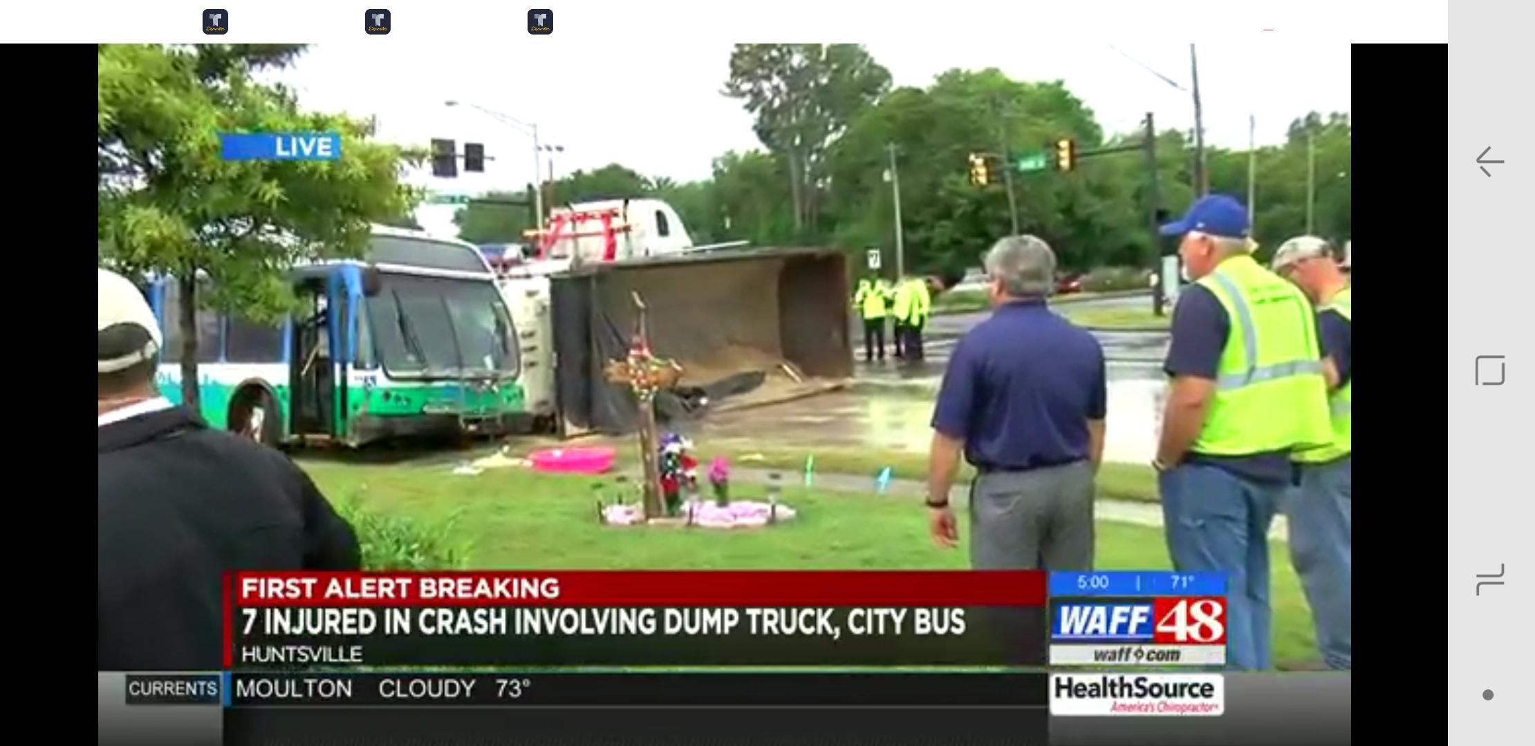 7 heridos en un accidente que involucra camión de volteo, autobús de la ciudad de Huntsville, camioneta