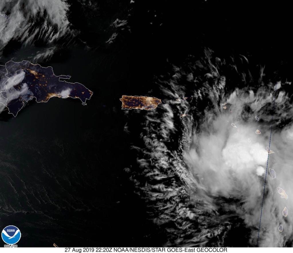 Dorian se fortalece y avanza hacia Florida con la amenaza de convertirse en un monstruoso huracán
