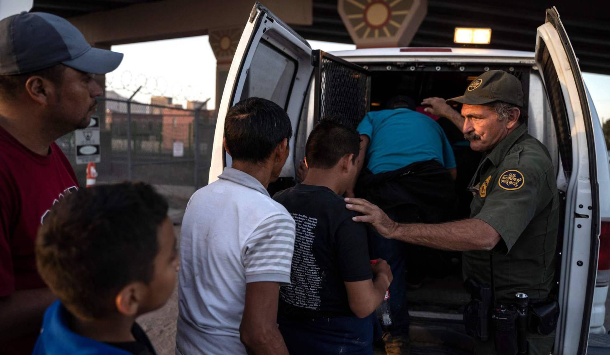 El Supremo da un espaldarazo a las nuevas restricciones de Trump al asilo