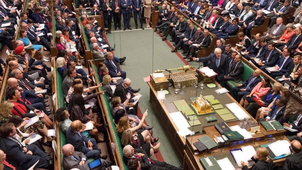 El Parlamento frena el Brexit sin acuerdo que perseguía Johnson