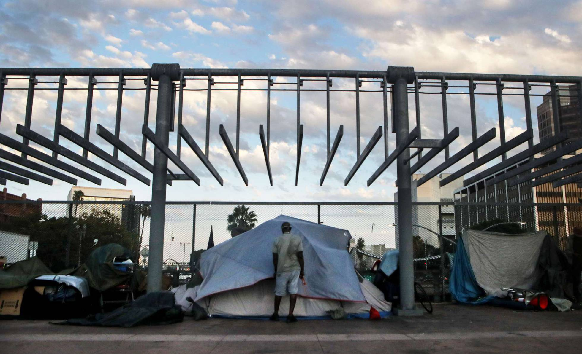 Trump utiliza contra los demócratas el desastre de las personas sin hogar en California