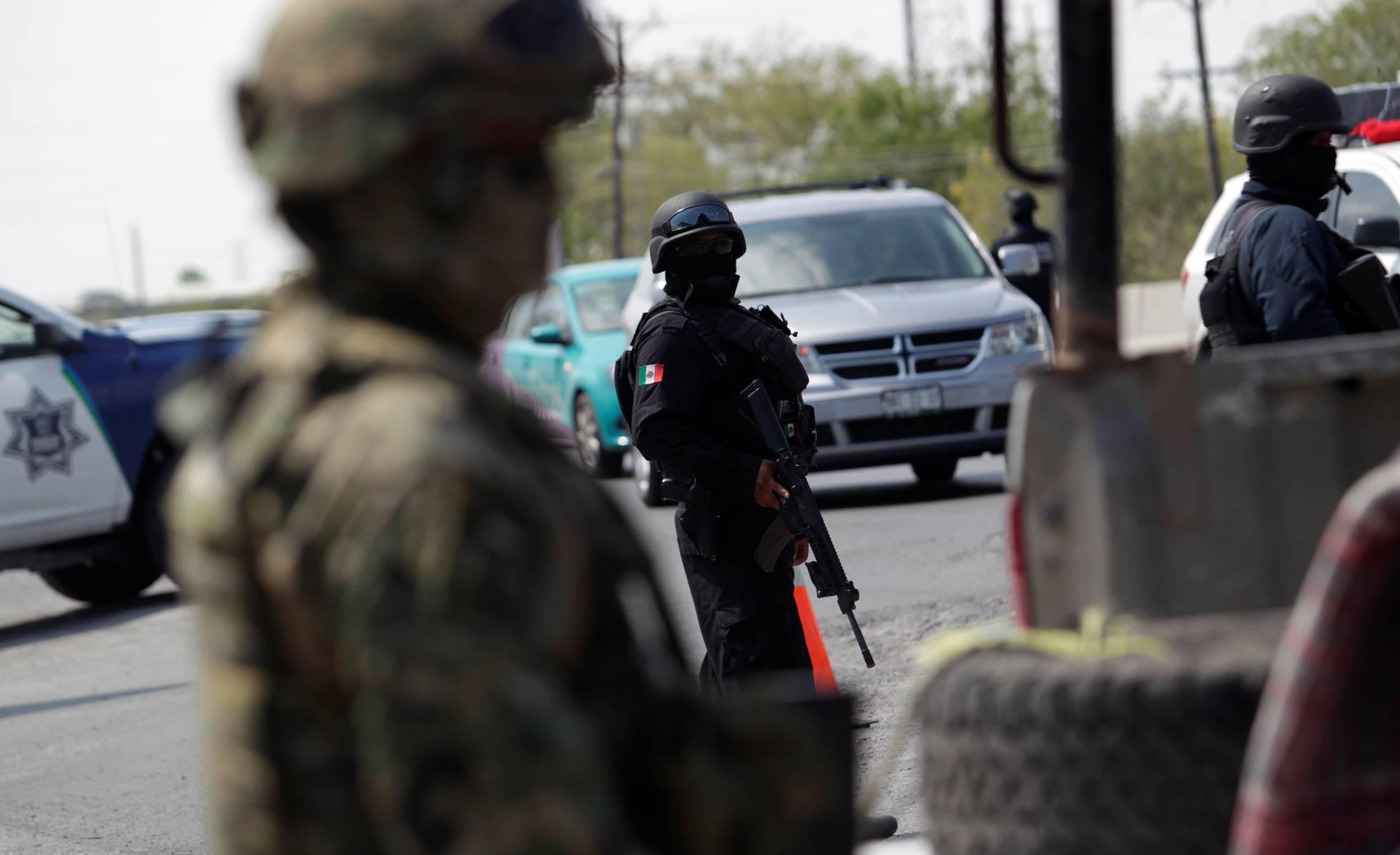 policia estatal y militares