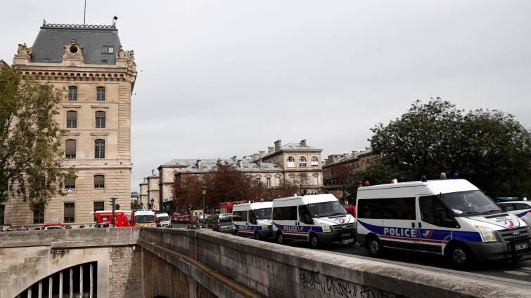 1 cordon de seguridad Policia de Paris