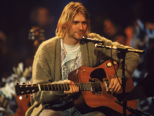 El viaje de la chaqueta del 'Unplugged' de Kurt Cobain: sucia y quemada, se ha vendido por 335.000 dólares