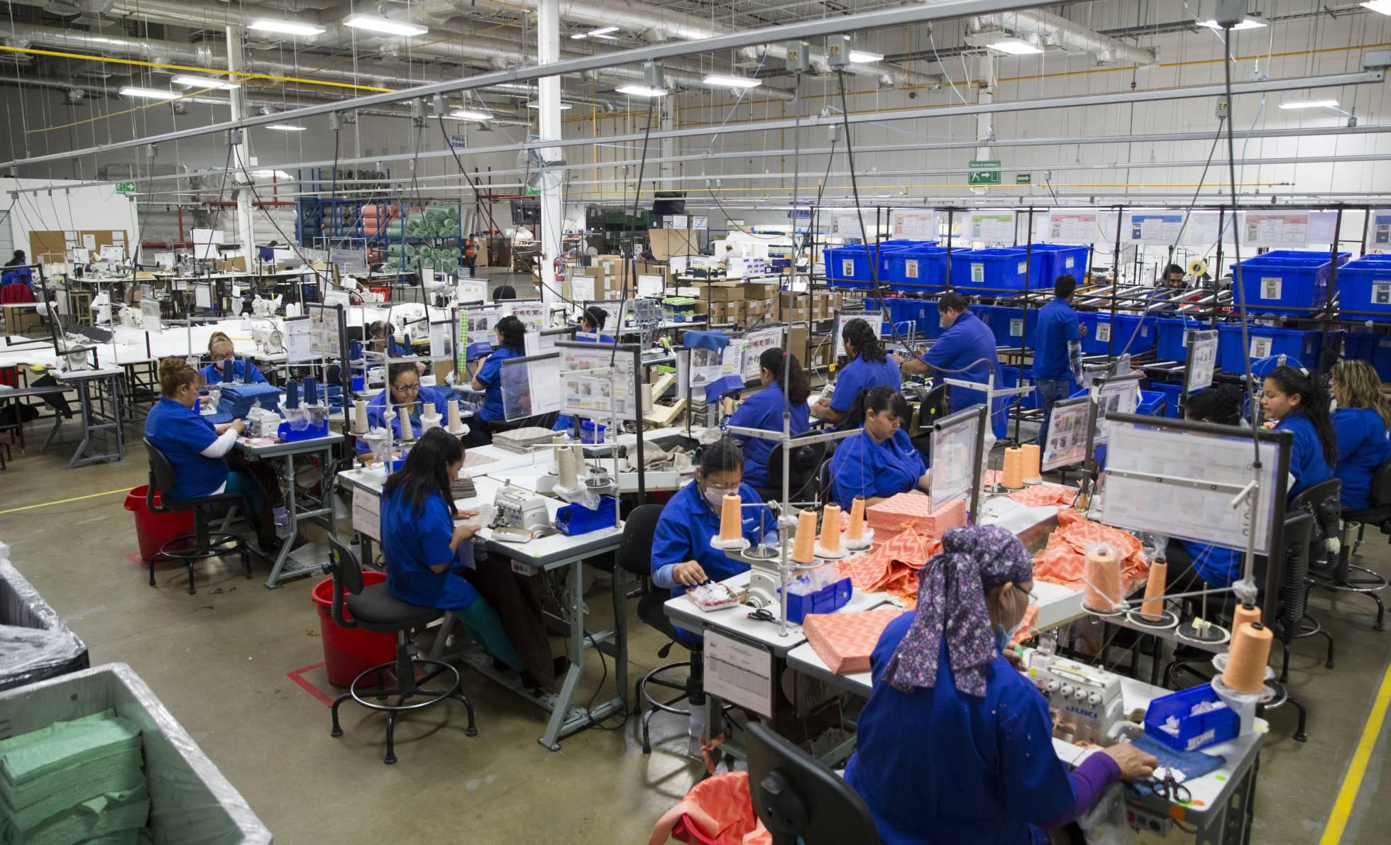 La economía mexicana se sume en la incertidumbre al caer en el tercer trimestre