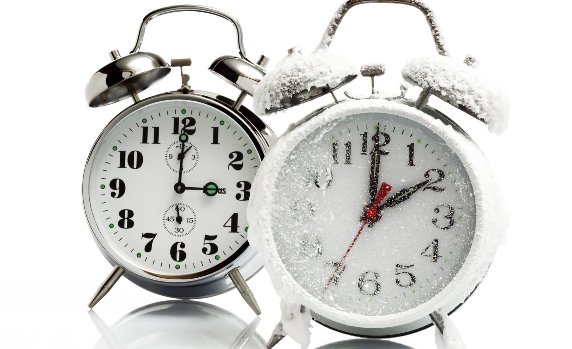 México retrasa los relojes una hora este domingo para adaptarse al cambio de horario invernal