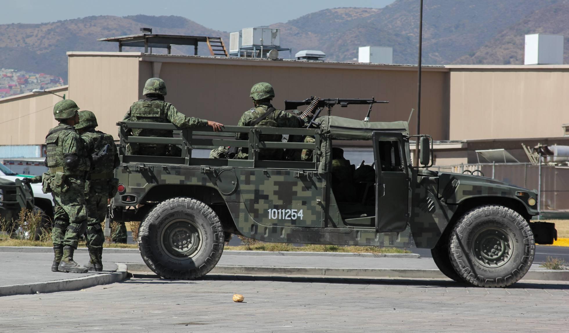 Un tribunal ordena volver a detener a los militares implicados en el 'caso Tlatlaya' en México