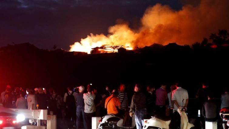 Así ardió el castillo japonés Shuri de Okinawa, patrimonio de la humanidad