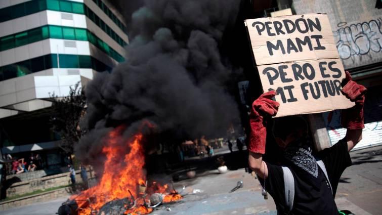 Chile: 18 muertos y más de 2.400 detenidos en seis días de protestas