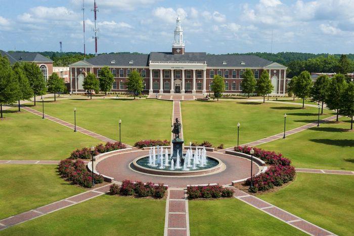 La Universidad de Troy detiene todas las actividades de fraternidad, después de acusaciones