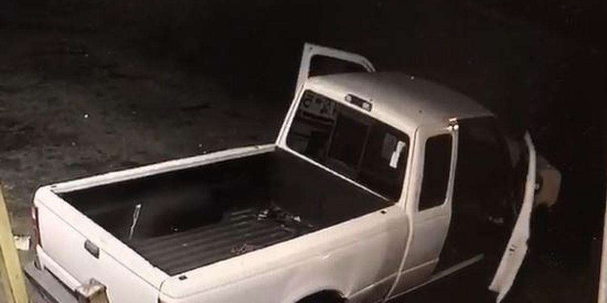 La policía de Tarrant busca hombres que robaron 12 paquetes de refrescos Faygo