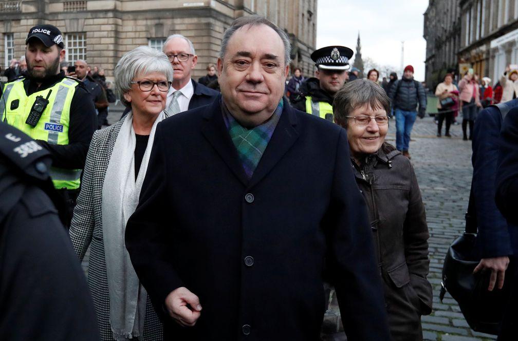 Cae un símbolo del independentismo escocés: Alex Salmond se enfrenta a 14 delitos sexuales