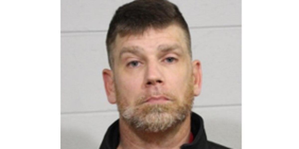 Hombre de 45 años acusado de agresión sexual, contra un menor en Tuscaloosa