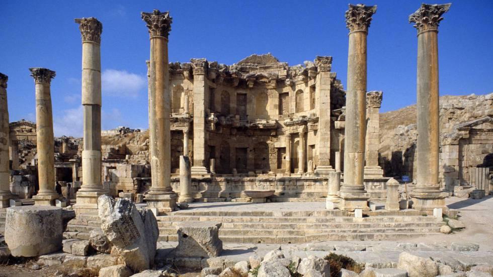 Apuñalados tres turistas mexicanos y una suiza en unas ruinas en Jordania