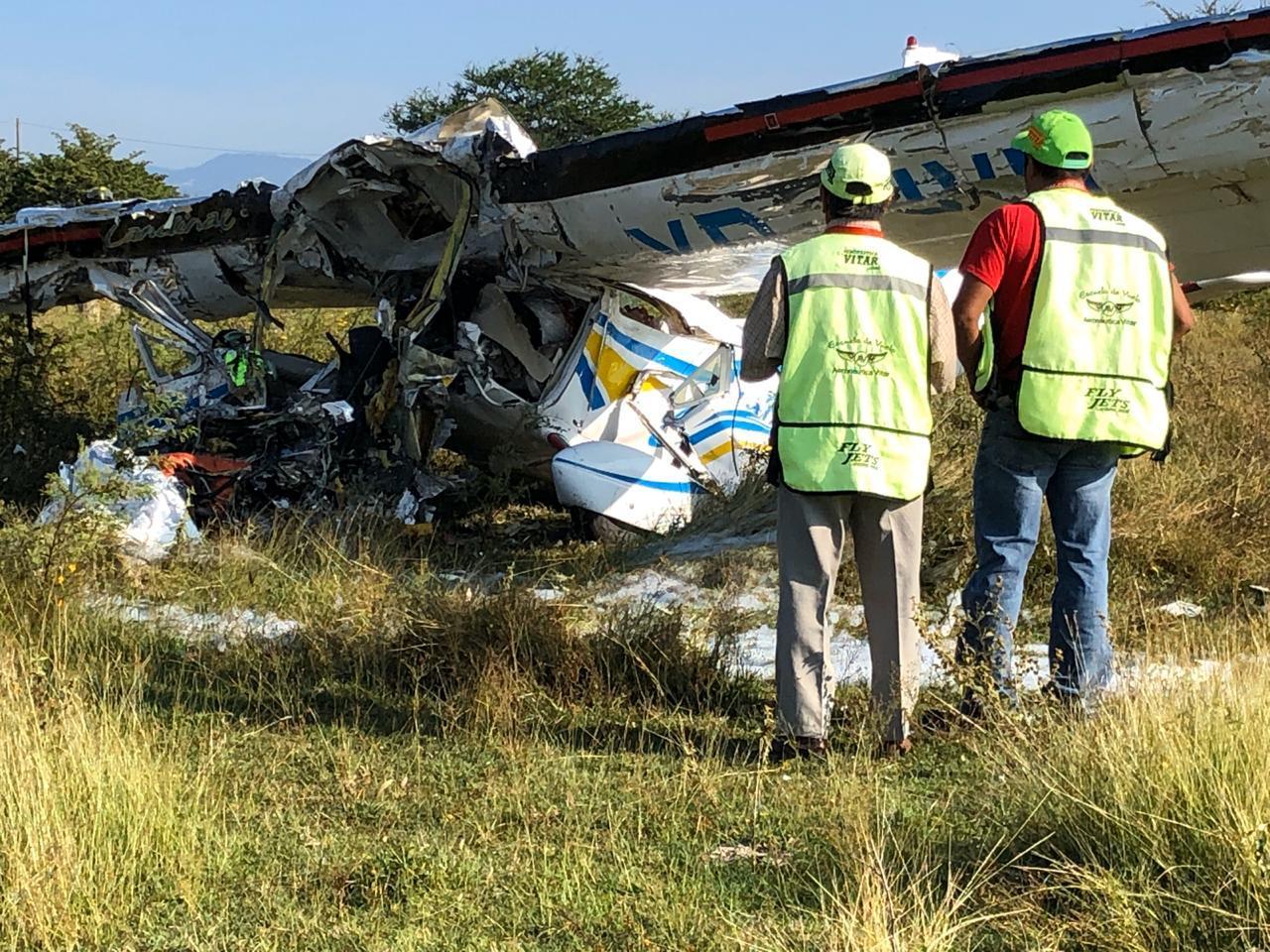 Desploma avión pequeño en Temixco, Morelos; hay dos personas muertas