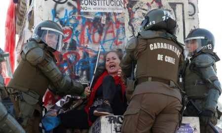 manifestante en Chile