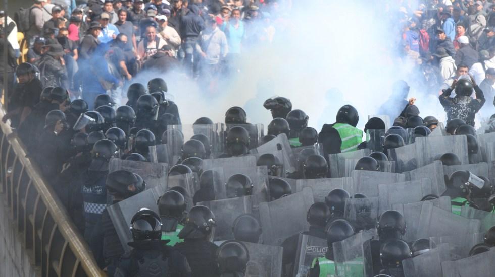 Denuncian policías agresión con gas pimienta por parte de agentes federales