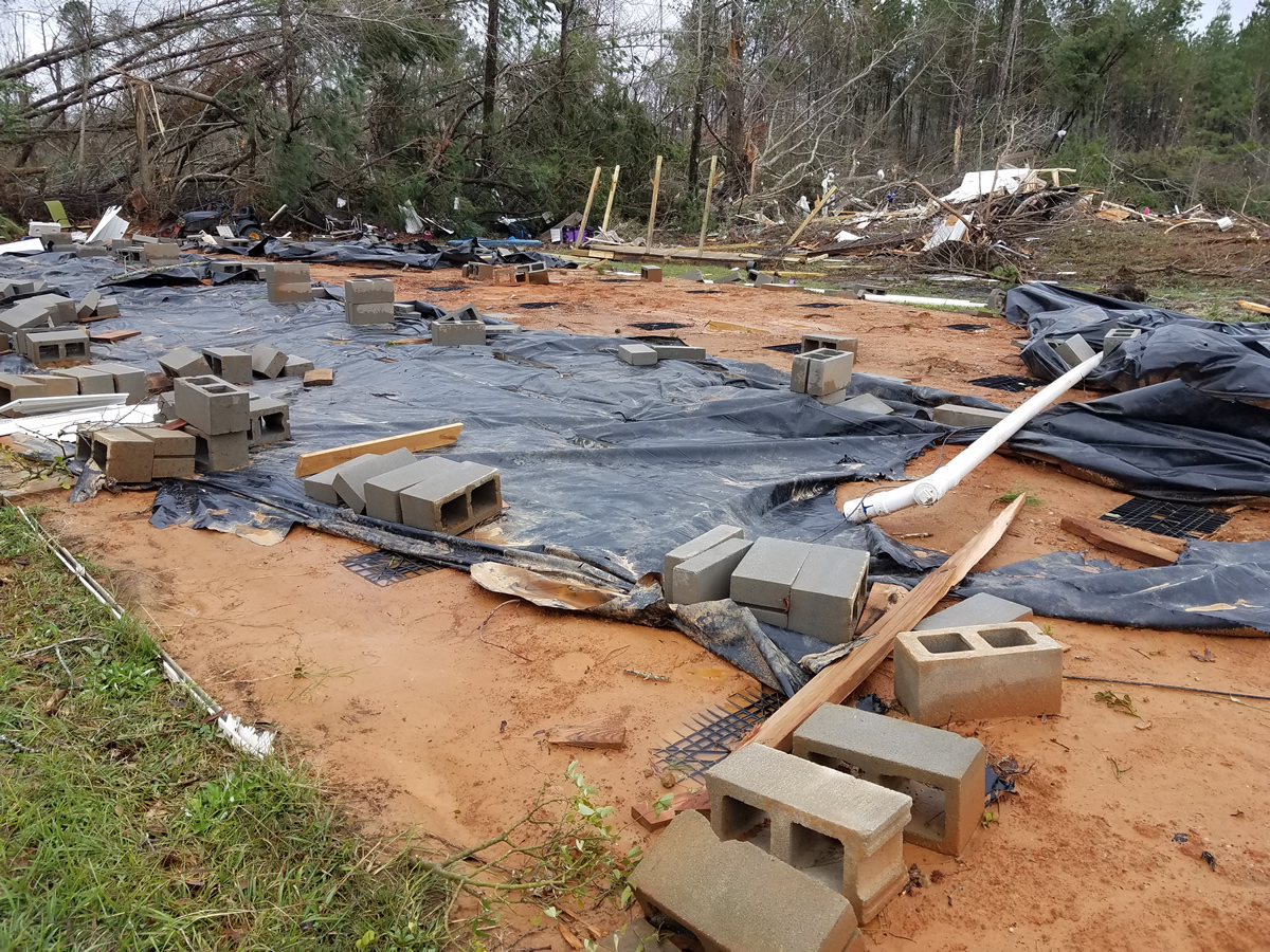Fotos de daños por tornados, en el condado de Marengo