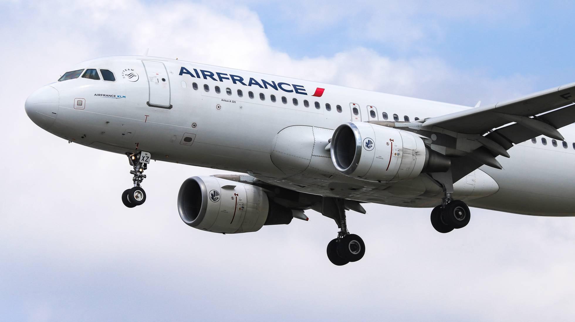 Hallado en París el cadáver de un menor en el tren de aterrizaje de un avión procedente de Costa de Marfil