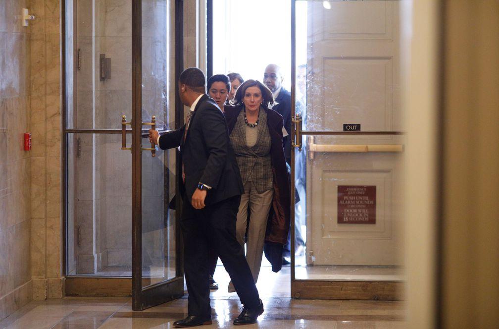 Pelosi envía al Senado el juicio político contra Trump