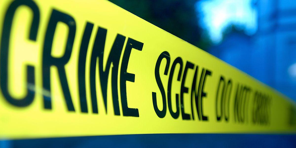 hombre muere baleado entrando a garaje