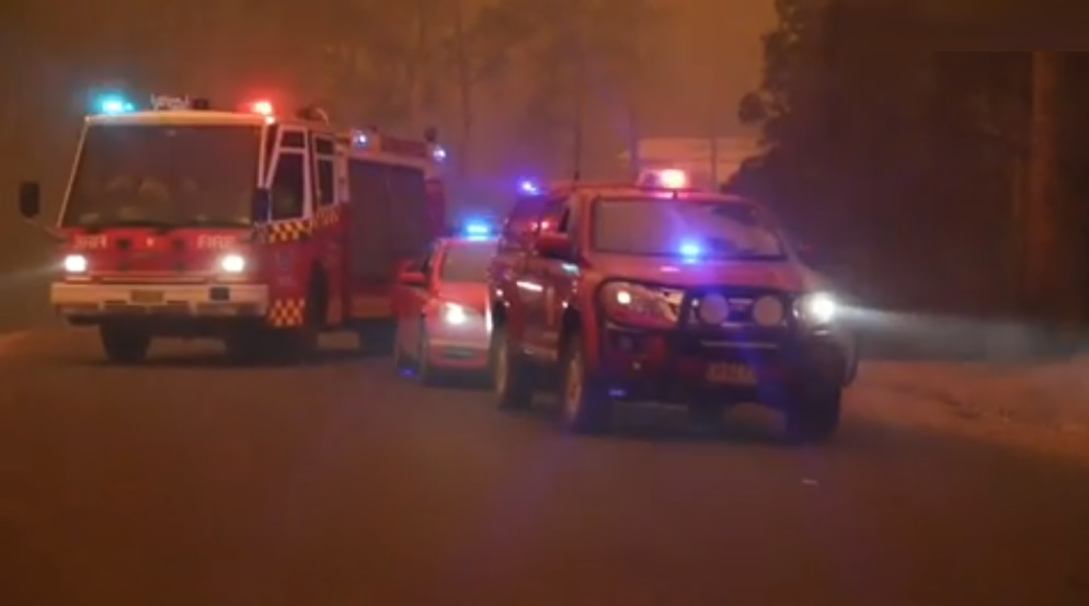 Éxodo masivo por la amenaza de un recrudecimiento de incendios en Australia