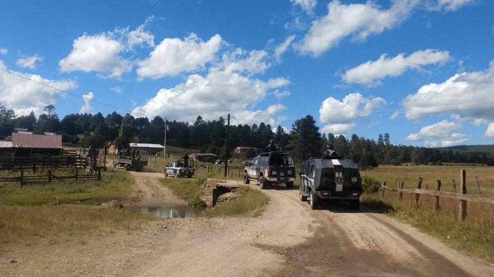 Comando incendia 22 casas y 7 vehículos en Madera, Chihuahua