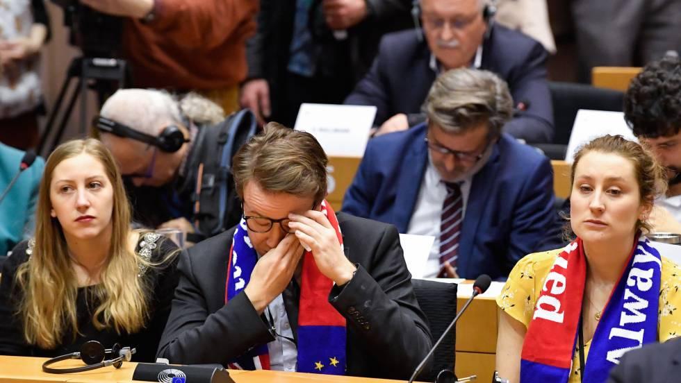 El Parlamento Europeo da luz verde al Brexit en el último trámite político