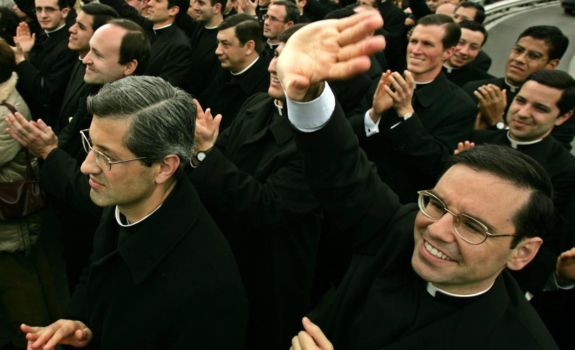 Los Legionarios de Cristo apartan del sacerdocio a uno de los curas acusados de pederastia en México