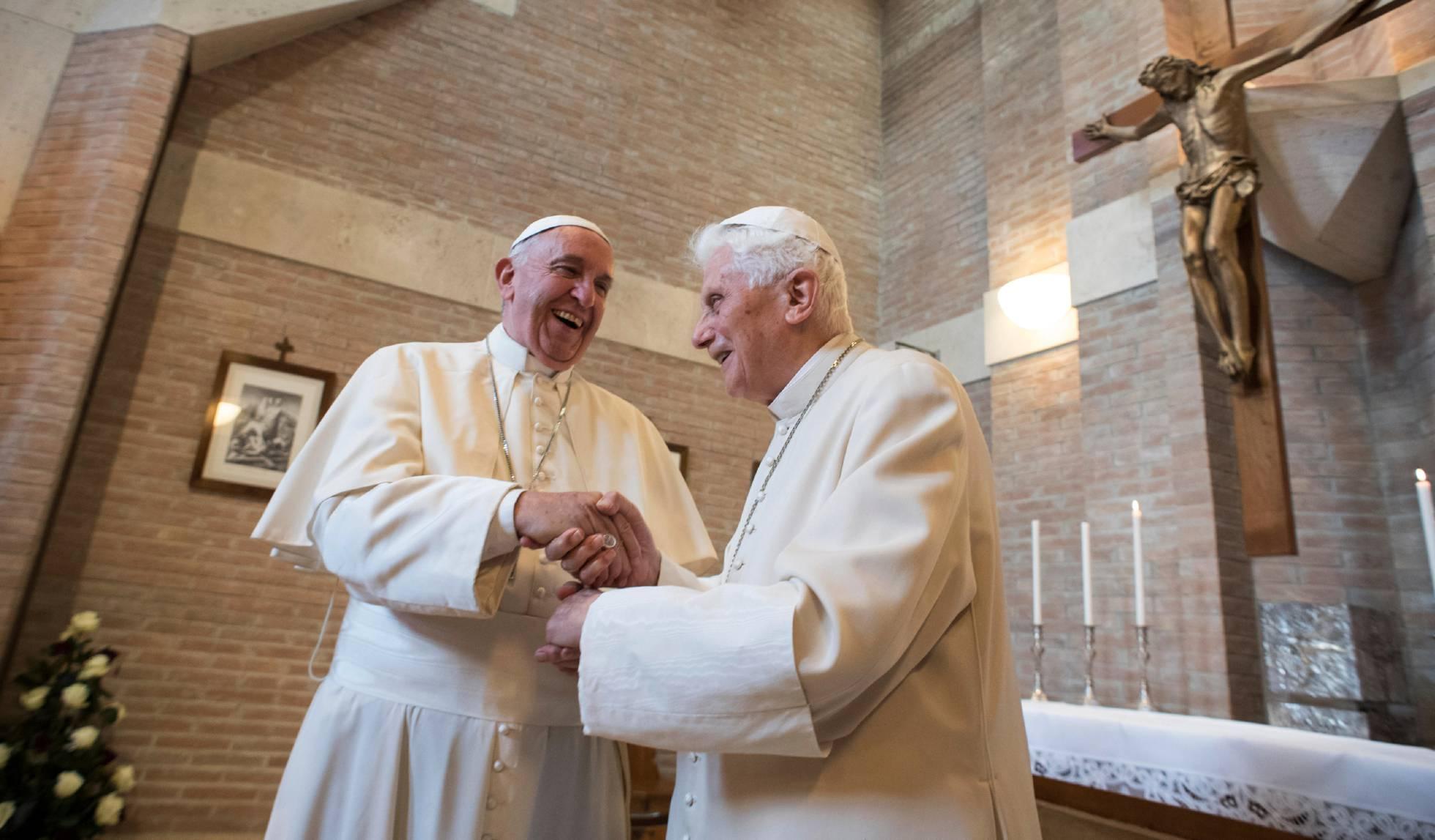 El Papa renuncia a ordenar hombres casados