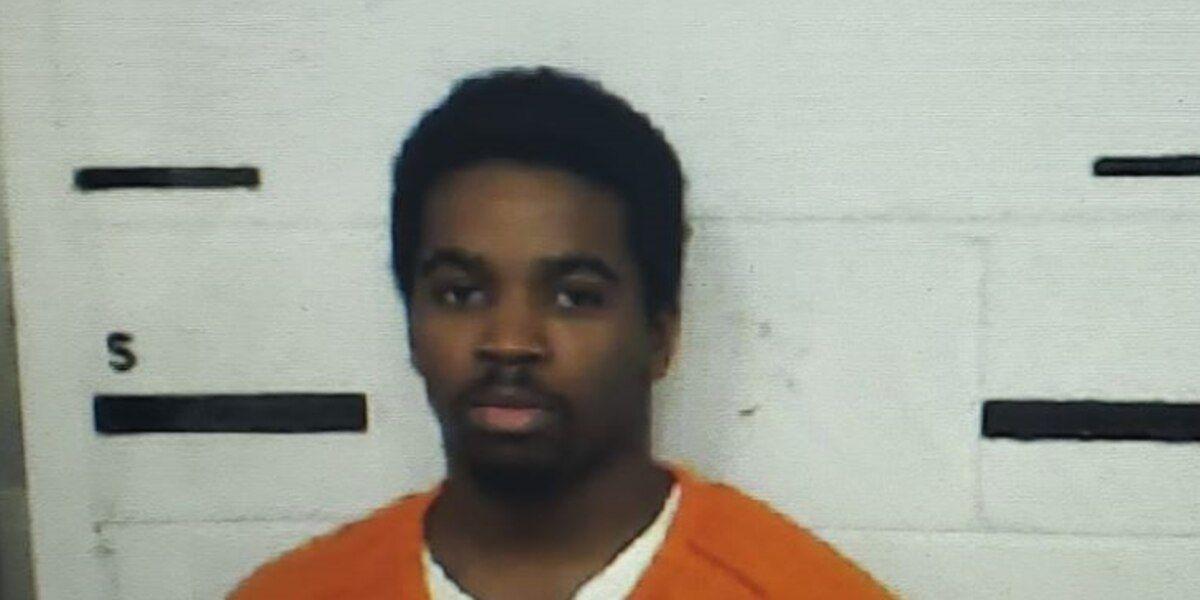 Un hombre de 20 años del condado de Bibb, está acusado de violar a un menor