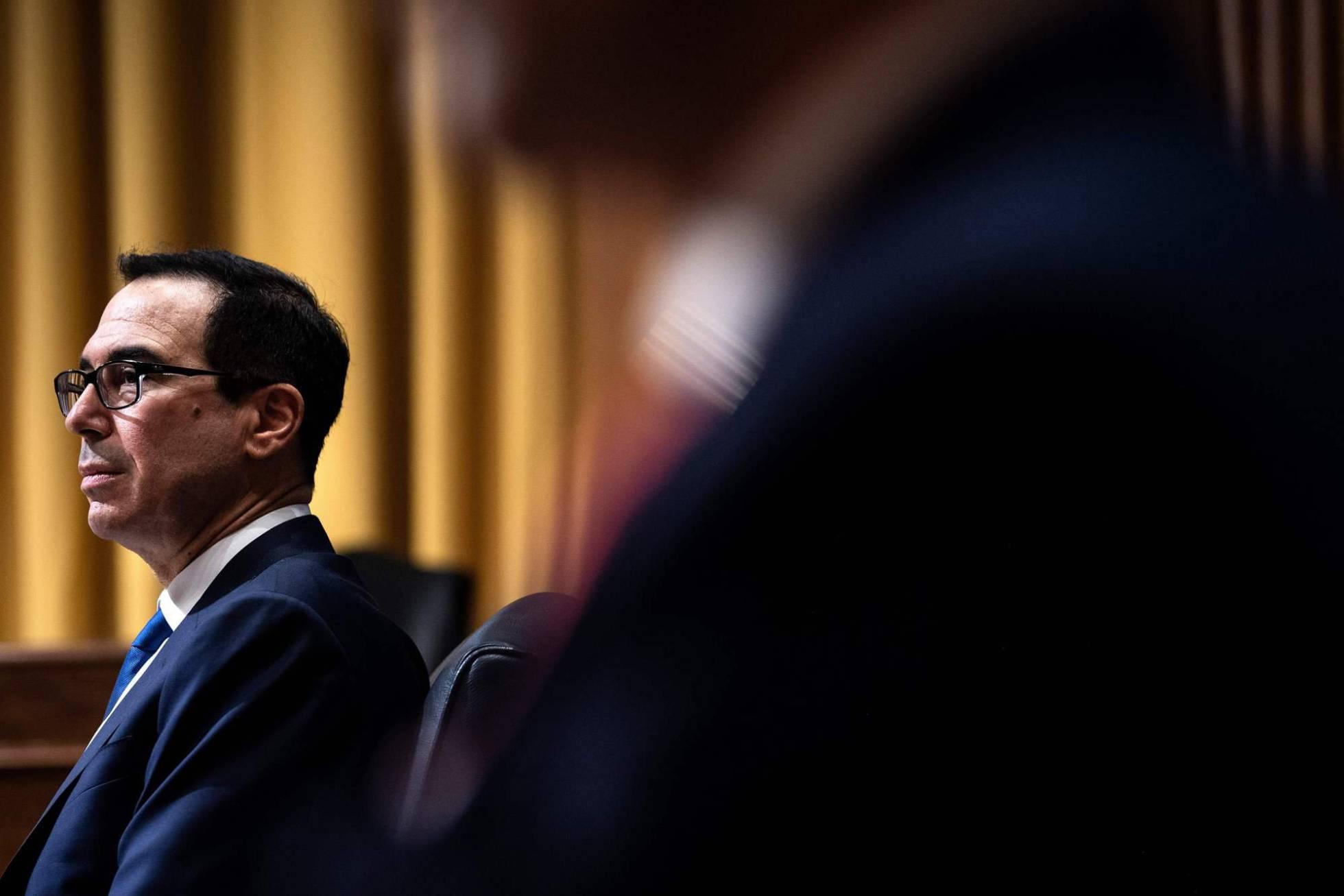 EE UU sanciona a una filial de la petrolera estatal rusa por sus vínculos con Maduro