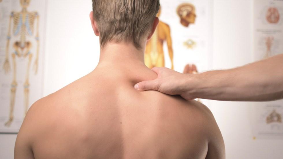 Combinación de dos medicamentos comunes podría sanar fracturas vertebrales