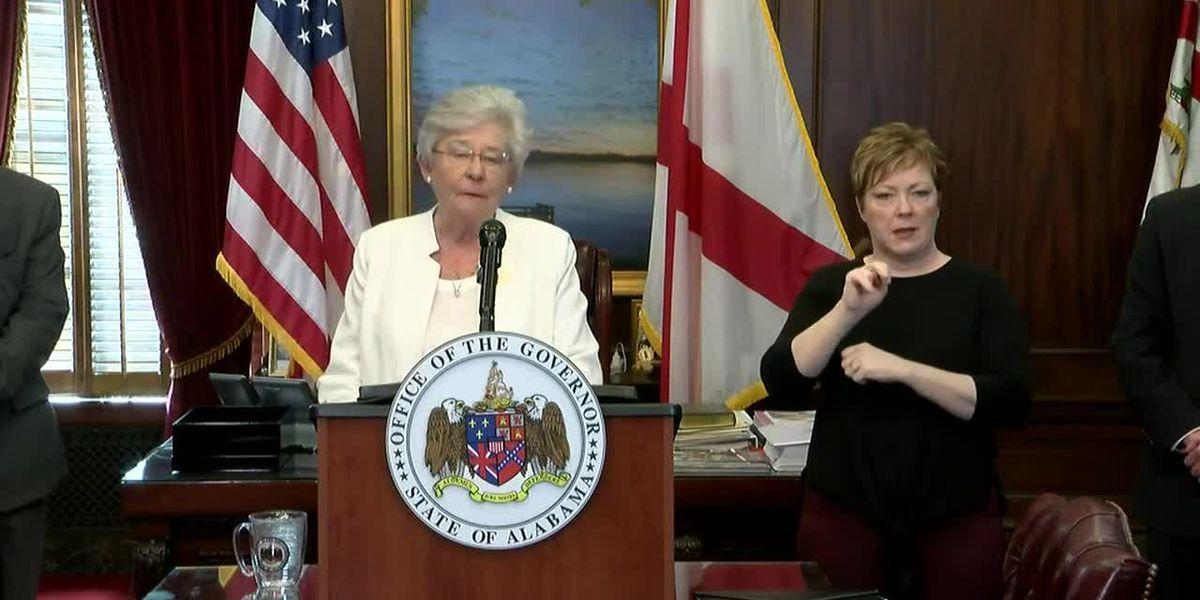 """""""Esto es muy real"""": la gobernadora Kay Ivey cierra negocios no esenciales en todo el estado"""