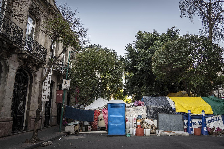 Millones de personas esperan lo peor de la pandemia hacinadas en asentamientos precarios en México