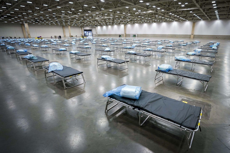 México registra más de 100 casos nuevos y llega a 1.215