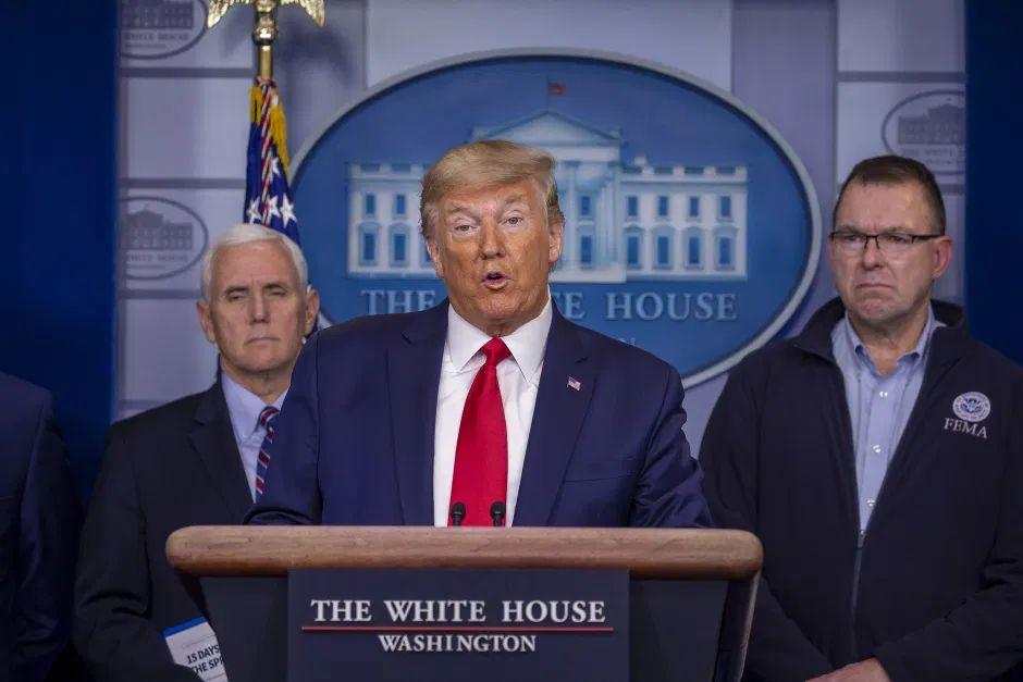 """""""Nunca se había visto nada así"""". Trump presenta cifras del coronavirus en nueva conferencia de prensa"""